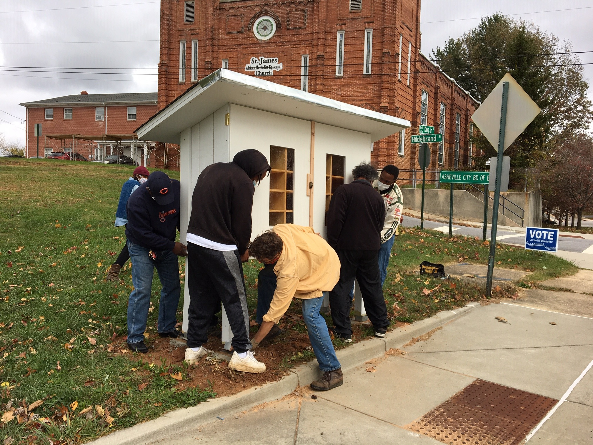 Asheville-Buncombe Food Policy Council will support the construction of another wooden food pantry by and for community members, just like they did in 2020!
